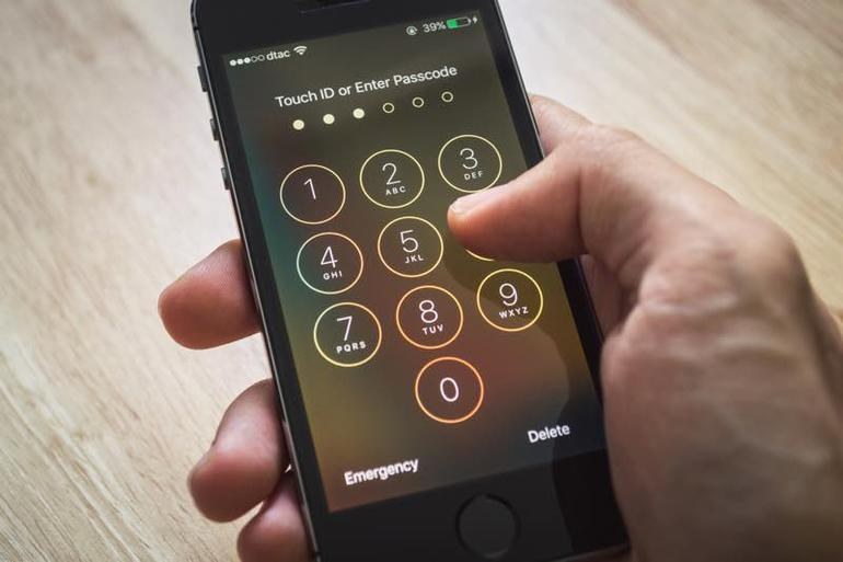 A hacker figured out how to brute force iPhone passcodes