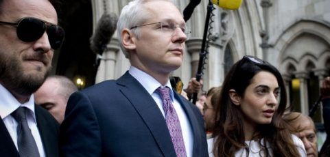Cut-and-paste error apparently reveals federal charges against Assange